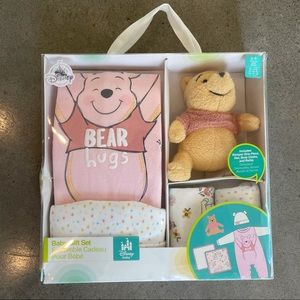 Vintage Disney Winnie the Pooh baby gift set 6-9 m